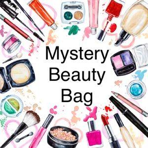 💄11+ Items MYSTERY MAKEUP BEAUTY BAG💄